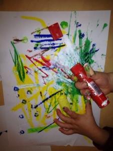 Son chef-d'œuvre avec les feutres peinture.