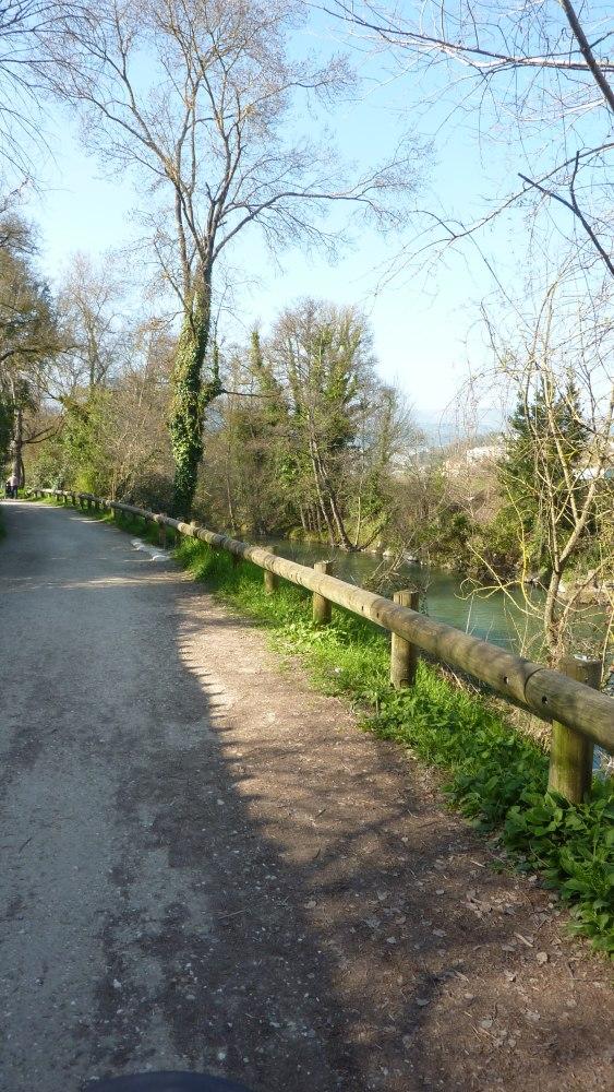 Les Rives du Loup du côté de Villeneuve-Loubet village... (2/6)