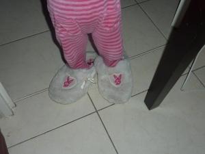 Puce et mes chaussons!