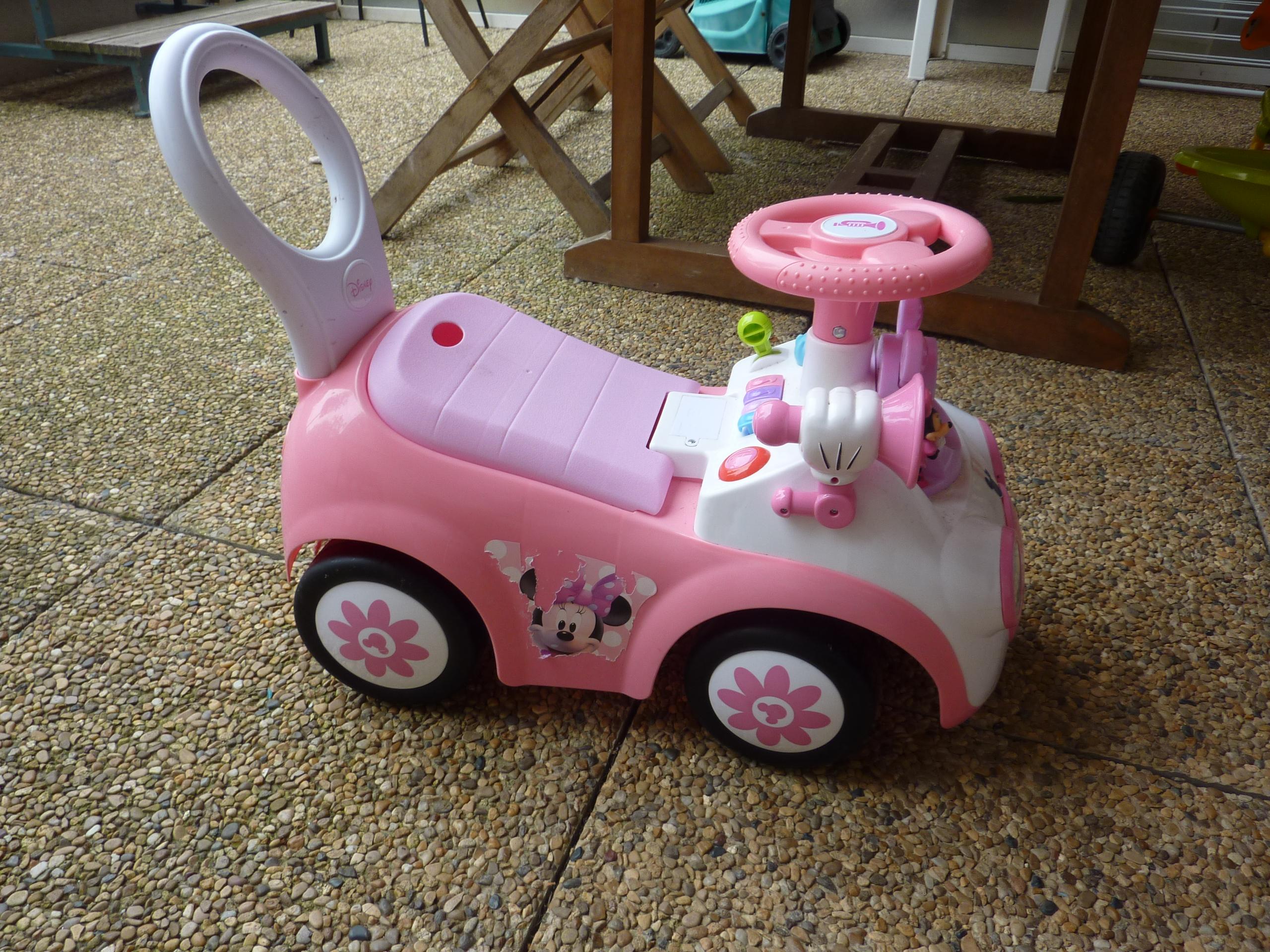 Les jouets pr f r s de puce 1 le porteur d activit s - Voiture minnie ...