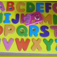 Les Jouets préférés de Puce #5 - Les lettres de l'alphabet en bois...